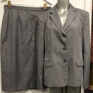 Jones of New York skirt suit